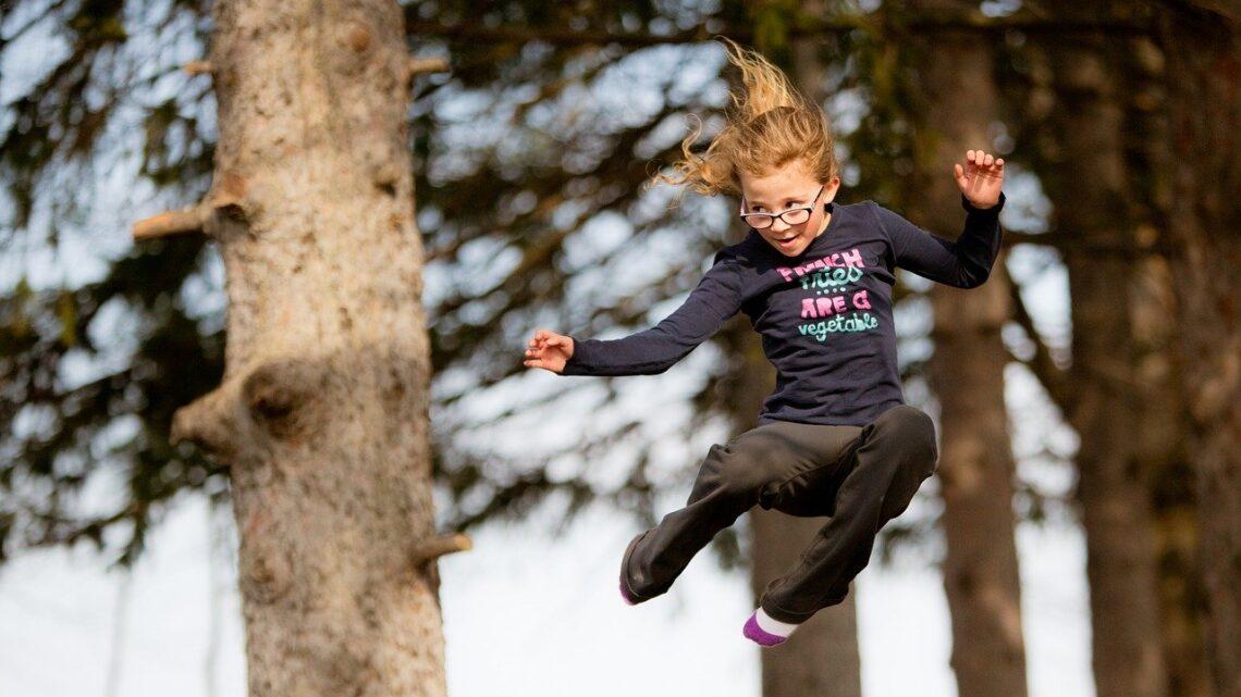 Aktiver dine børn med en gymnastikmåtte