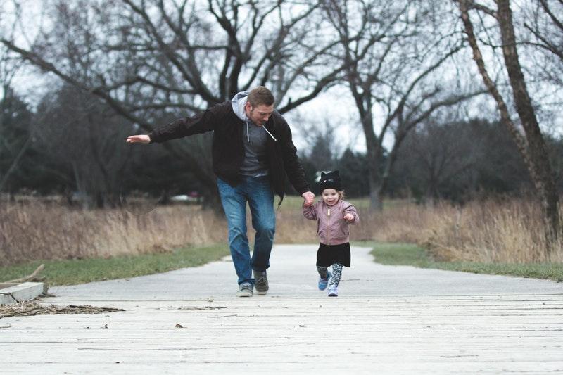 Sådan lærer du din baby at gå