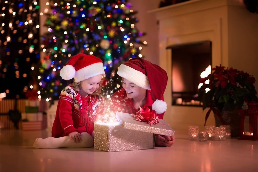 Sådan finder du de bedste julegaver til dine børn